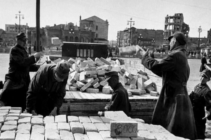 Как и чем кормили пленных немцев в СССР