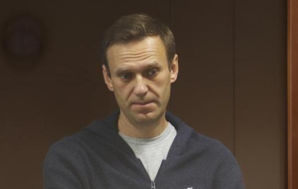 Суд взыскал по 30 тысяч рублей с Навального по иску Пригожина