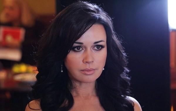 Заворотнюк объяснила свой отказ от лечения за границей