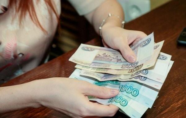 Неполным семьям разъяснили условия для получения новых выплат