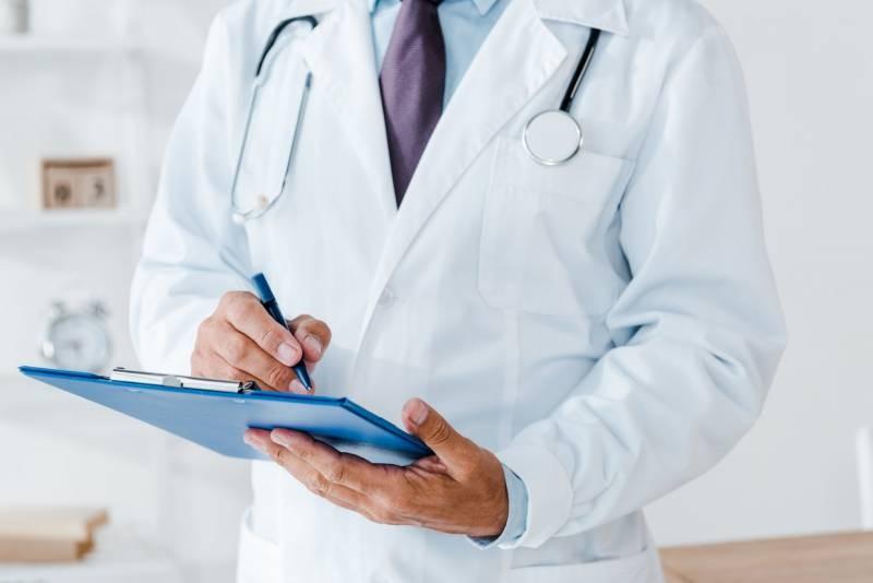 Врач-онколог назвал три привычки, снижающие риск развития рака