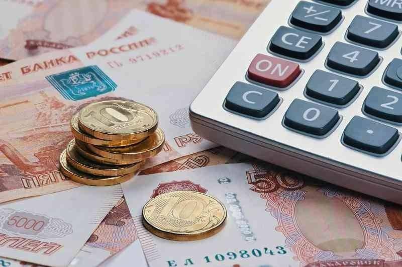 Правительство России выплатит школьникам по 10 000 рублей в августе 2021 года