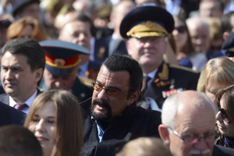 Чем занимается «новый русский» Стивен Сигал в России