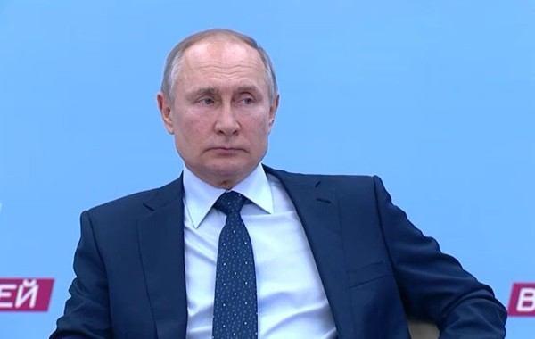 Путина попросили разобраться с индексацией работающим пенсионерам