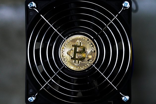 Эксперты объяснили резкое падение курса биткоина в 2021 году