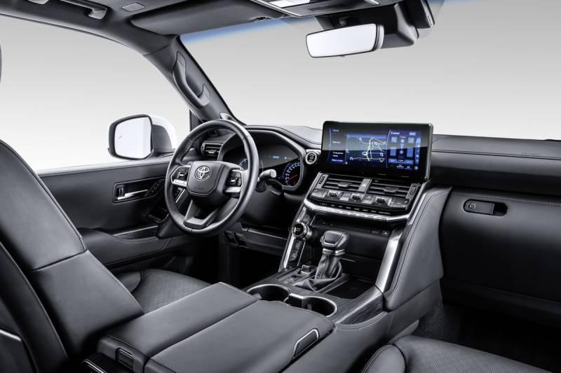 Компания Toyota официально представила новый Land Cruiser 300 2021 модельного года