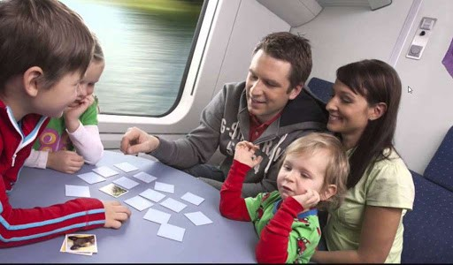 Мишустин субсидировал семьям с детьми скидки на проезд в поездах дальнего следования