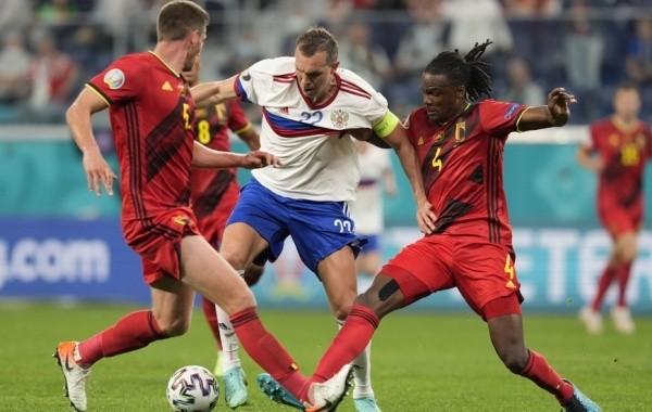 Сборная России по футболу крупно уступила Бельгии на Евро-2020