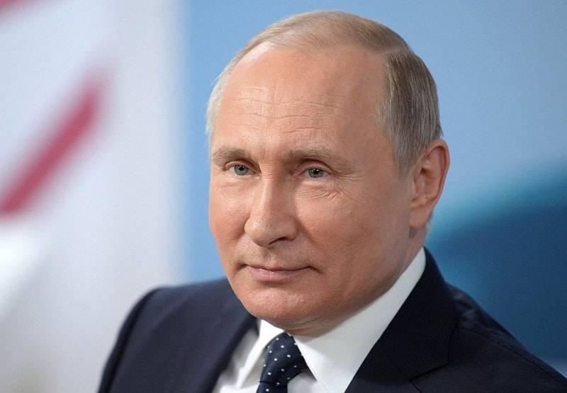 Соцопрос: как россияне относятся к Владимиру Путину