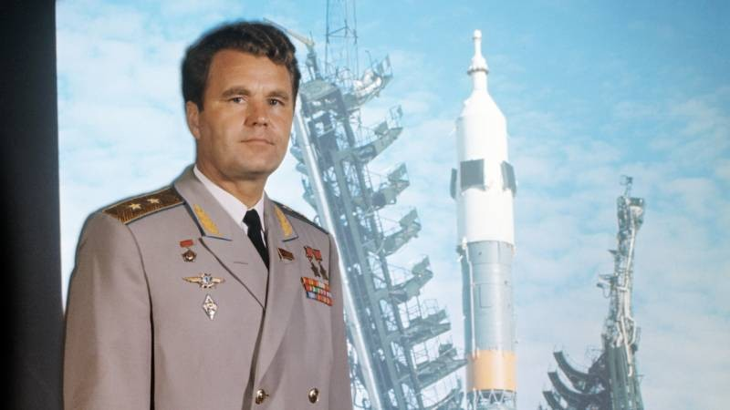 Умер советский космонавт Владимир Шаталов