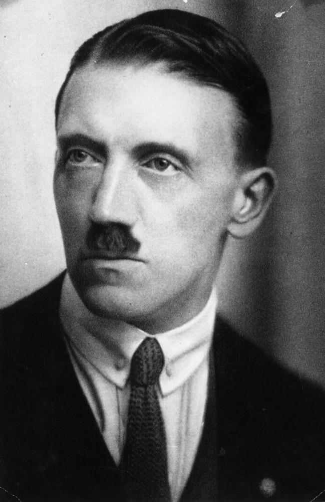 Проверяем ТОП-10 популярных легенд о Гитлере