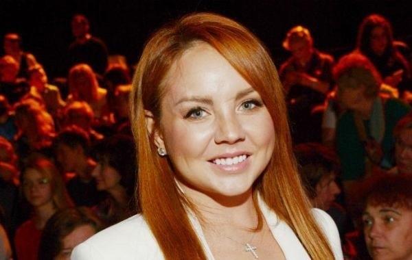 Певице МакSим назначено новое лечение из-за критического состояния