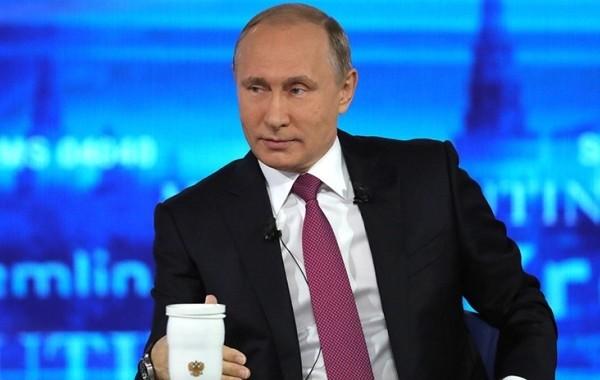 Более 545 тысяч вопросов поступило к прямой линии с президентом России