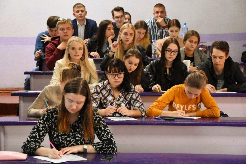 С 20 июня на портале Госуслуг стартовали онлайн-записи в колледжи и вузы Московской области