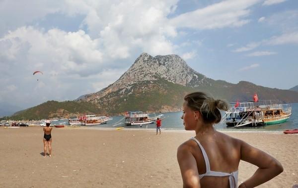 Власти Турции надеются обойтись без закрытия границ для российских туристов