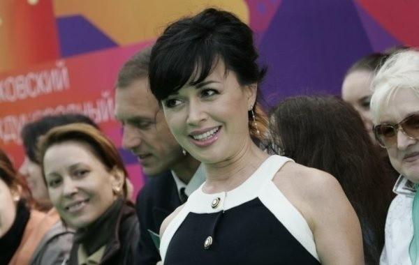 Анастасию Заворотнюк продолжают скрывать от общественности