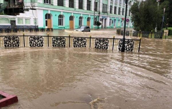 Ситуация в Крыму из-за наводнений остается сложной