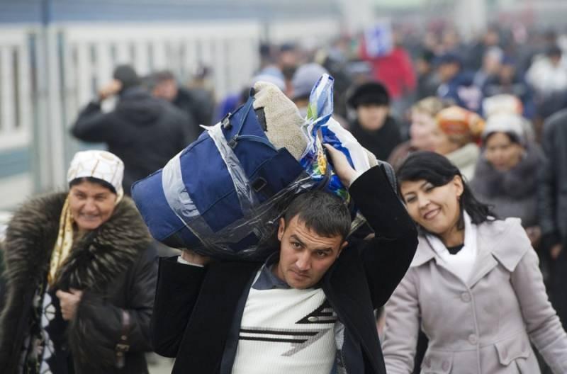 Куда мигрантам обращаться за помощью в Москве: адреса, телефоны