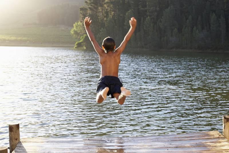 Можно ли нарушать запрет о купании во время церковных праздников, по мнению священника