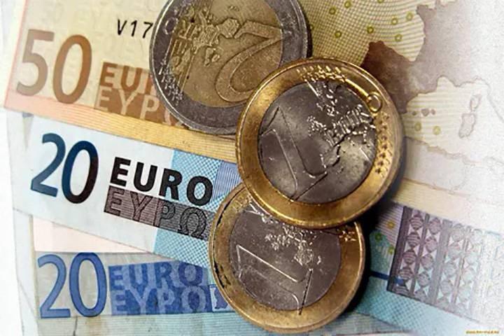 Прогноз курса евро и доллара на конец 2021 года: чего ожидать на валютном рынке